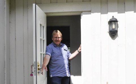 Gave: Ronny Abrahamsen synes det er fint at Mæl vel får overta tomta til Rollhuset og Rollbanen.