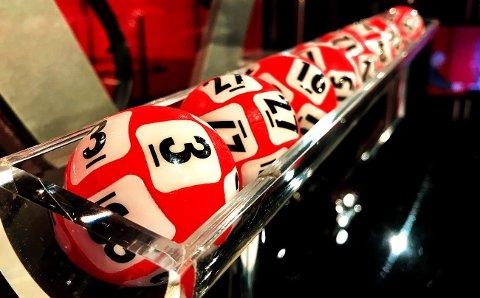 """3 FØRST: Det """"sjeldne"""" Lotto-tallet 3 ledet an i vinnerrekka lørdag 2. desember."""