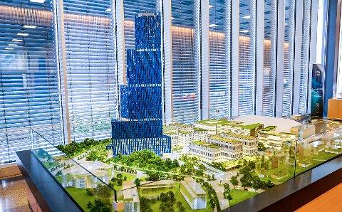 En modell av den 200-250 meter høye bygningen til Kjell Inge Røkke som skal huse World Ocean Headquarters (WOH), et verdensledende havsenter.
