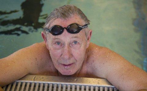50 ÅR ETTER: For 50 år siden vant Rolf Bagle 200 fri i NM. I helgen gjorde han det igjen i mastersklassen 75-79 år, og knuste samtidig klasserekord med ett minutt!