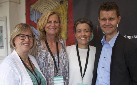 DELTOK: Alle de tre ordførerne og medlemmene i representantskapet til Viva IKS var til stede under konferansen som ble arrangert av Viva IKS. Fra venstre: Eva Norén Eriksen, Monica Vee Bratlie, Gunn Cecilie Ringdal og Arne Johan Grimsbo. Foto: VIVA IKS