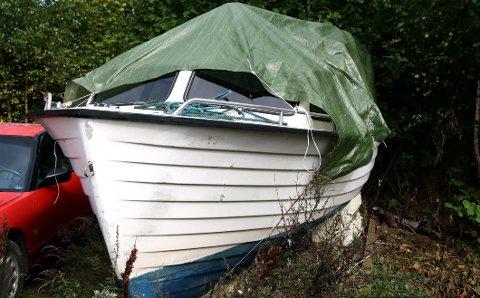 KOSTER: Næringsutvalget i Røyken ber formannskapet beviklge 200 000 kroner til mottak av gamle plastbåter.