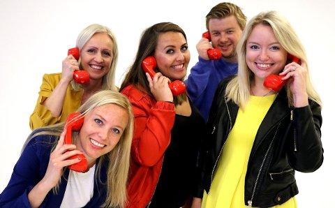 Ingrid Roterud Mathisen, Anne Siri Nørstebø, Marthe Stenberg, Lars Hulleberg og Nina Rundsveen ringte rundt til SuperLotto-millionærene lørdag.