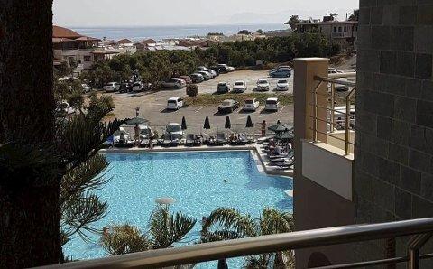 Utsikt: Far og sønn var veldig fornøyde med bosted og generelt oppholdet i Kreta.
