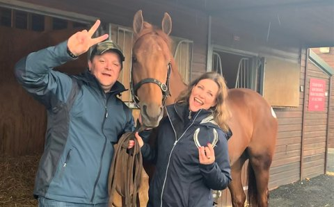 HESTEDILLA: Geir og Märtha ønsker at folk skal få dilla på hestesport slik det norske folk har fått dilla på sjakk og sykkelsport.