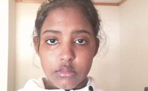 ENESTE MØRKE: Moon Hosh (15) fra Askim er den eneste mørke personen på ungdomsskolen.Foto: Privat