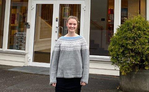 LENGER VEG: Stine Berge Levik bruker nå nesten to timar på å koma seg til og frå jobb på Høle skule.