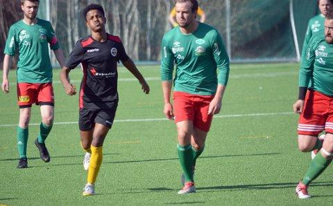 Nahom Fshaye Haile og BFK med en brent sjanse i seriekampen mellom Beitstad og Byafossen våren 2019. I mellomtiden har Nahom meldt overgang til Innherred FK, og skal spille mot gamle lagkamerater 8. august.
