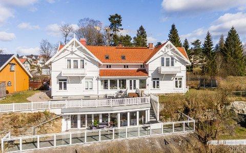 NYE EIERE: Nå er det kjent hvem som har kjøpt praktvillaen på byens tak, rett ved Brekkeparken.