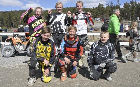 Ivrige: (f.v oppe) Henriette Trosthol, Christian Stenersen, Odd Sverre Linderud, (f.v nede) Anders Øverland, Marcus Rønning og Olav Deilrind er alle fra Notodden, og deltok i norgescupen.