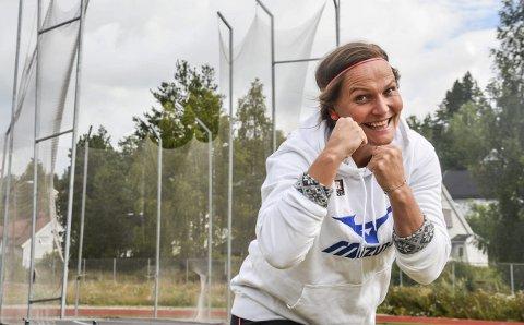 Gir seg ikke: Kroppen spiller ikke alltid på lag med Grete Etholm, men Norges diskosdronning gir ikke opp håpet om å kopiere Mette Bergmanns 17 strake NM-gull. Nå får hun også kamp av noen ungjenter.