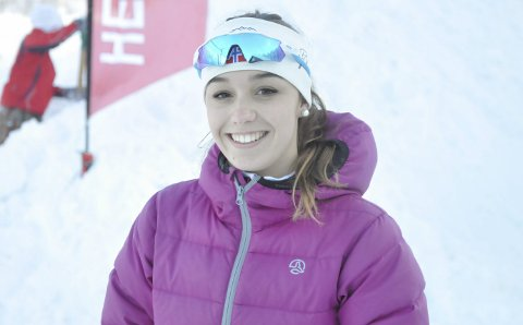PÅ UTVEKSLING: Ane Forostegui er utvekslingsstudent fra Spania. Hun har holdt på med langrenn i alle år og syntes det er veldig stas å gå skirenn i Norge.