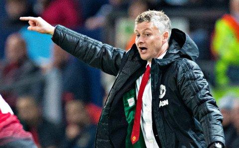 Manager Ole Gunnar Solskjær får ikke hjelp av noen sportsdirektør i Manchester United i sommer.