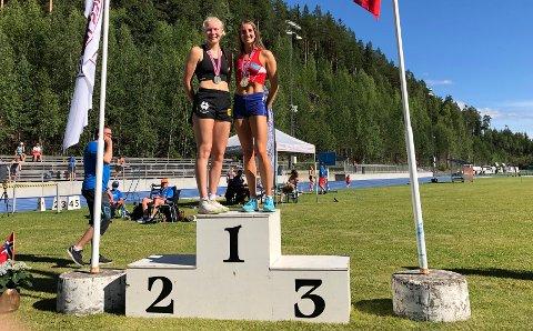 Elise Hoel Ulseth (til venstre) og Telma Eid var med i mangekamp-NM i helga. Eid var best sammenlagt.
