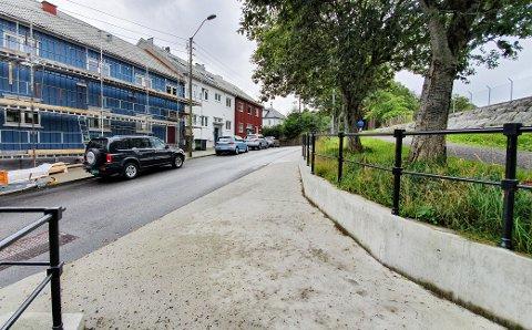 Syklister som kommer fra turstien i Vanndamman og skal videre ned mot Johan P. Clausens gate, skal få sykkelfelt på denne delen av Peter Rosentræders gate. Dersom dette gjennomføres, kan det ikke parkeres her som i dag.