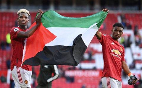 Etter 1-1-oppgjøret i Premier League holdt Paul Pogba og Amad Diallo opp et palestinsk flagg. Det ble tolket som en støttemarkering til palestinerne i den blodige konflikten i Israel og Gaza.