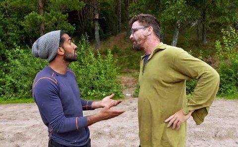 TOPPER SEG: Ali og Lasse blåser ut mot hverandre i kveldens Farmen.