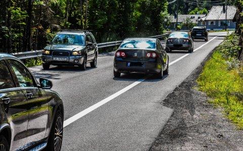 LØSNING I SIKTE: En løsning for Hogsnesbakken har vært etterspurt i mange år. Vedtaket i fylkestinget innebærer at både bilister, fotgjengere og syklister kan se bedre tider i møte.