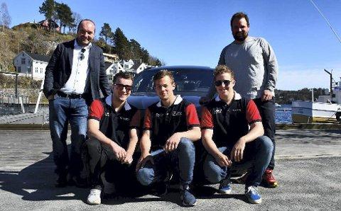 Tok initiativet: Øystein Haugenes (t.v.) og Andreas Jahren (t.h.) lanserte motorpark-planene i fjor vår. Foran Joachim Haugenes, Eirik Stokkebokjær og Henrik Fiane som er blant de interesserte i motorsport. Arkivfoto