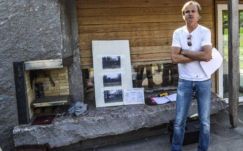 Blar opp: Øystein Stray Spetalen, her på en befaring i forbindelse med et  svømmebasseng på Berganodden, har kjøpt nok en naboeiendom. Svein Sandvik får sju millioner kroner.
