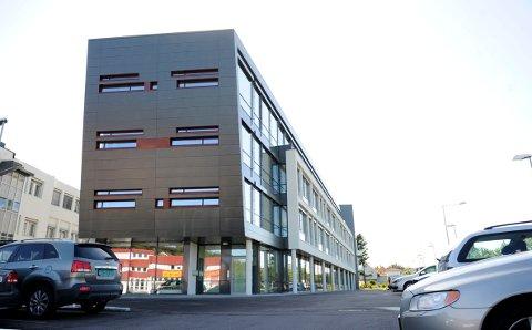 MASSEOPPSIGELSER: National Oilwell Varco Norway holder til Helfo-bygget på Korten i Tønsberg. Selskapet setter nå i gang sin tredje runde med masseoppsigelser.
