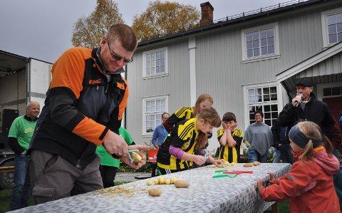 POTETSKRELLERE: Mandelpotetdyrkerlaget i konkurranse med Tylldalen idrettslag. alle Foto: Runhild Dammen