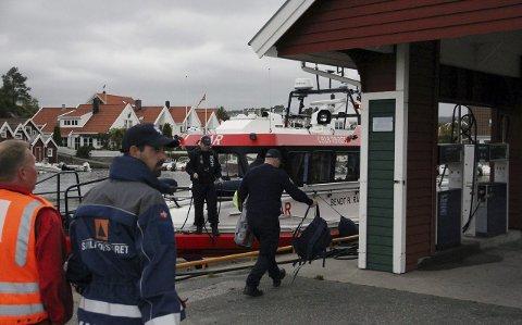 Nytt søk: Politiet har bestemt at det skal gjøres undervannssøk etter 20-åringen. (Foto: Henrik Ihme / Fædrelandsvennen)