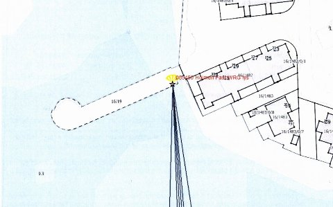 LEDEN INN: Kommunen og Kystverket har inngått avtale om at det skal opprettes et navigeringspunkt på Holmen-moloen. Snart er Holmen lykt en realitet.
