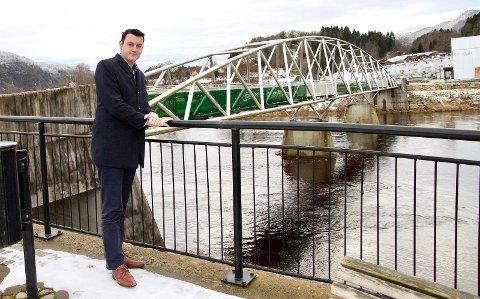SKOLEKAMP: Styreleder Ahmed Lindov i Kvinesdal Arbeiderparti krever at studiestedene for videregående i Flekkefjord og Kvinesdal opprettholdes og styrkes.