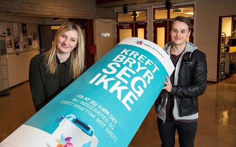 Sigrid-Anne Bjorøy (18) og Mads Ingrebrigtsen (18) er begge medlemmer av russestyret på Sotra.