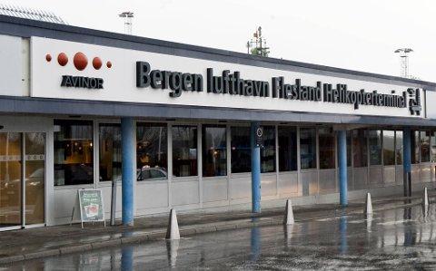 Ingen av de planlagte helikopterreisene fra Flesland blir gjennomført tirsdag.