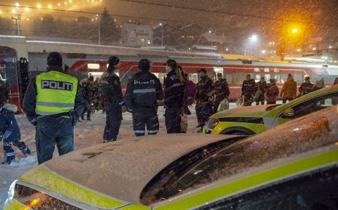 Politiet har pleid å eskortere russen til og fra Geilo. Det skjer ikke i år.