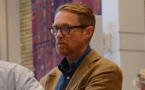 Ønsker bobilsak: John Peter Hernes (Høyre) var ikke helt fornøyd med ordførerens svar i kommunalutvalget tirsdag om bare å sende hans spørsmål om bobilplasser til et annet politisk utvalg. Han vil forfølge saken videre.