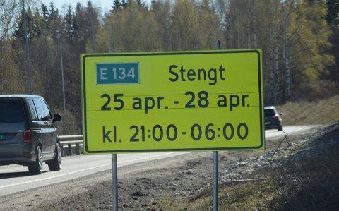 Stengt: E134 er nattestengt deler av denne uken.