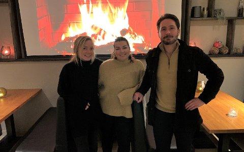 Caroline Sølvfester Andersen, Camilla Ostad og Frank Sunde på King Crab House utelukker ikke permitteringer av ansatte.