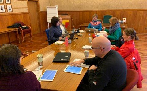 RÅDHUSSALEN: Hovedutvalget for oppvekst-, velferd og kultur. Bildet er fra møte de hadde 5. februar tidligere i år.