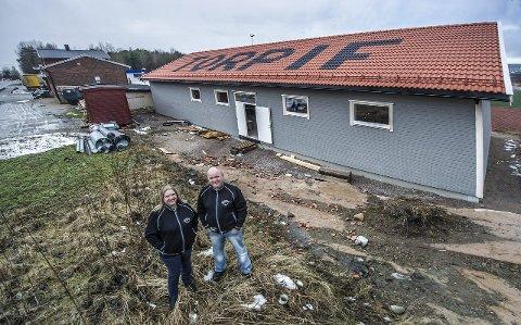 GLEDER SEG: Gro Holm og Tom Arnesen i Torp IFs har flotte fasiliteter å tilby sine utøvere. Foto: Geir A. Carlsson