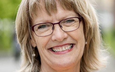 KLAR: Karin Andersen blir illsint av Frp, men er glad i å stelle hage og være med barnebarna.