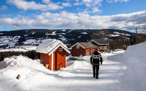 Dan Ditlefsen flyttet til Rundsvea i Vestre Gausdal for å drive med hundekjøring. Det tok to år før han fikk innendørs toalett, og i mellomtiden var det utedoen som gjorde nytten.