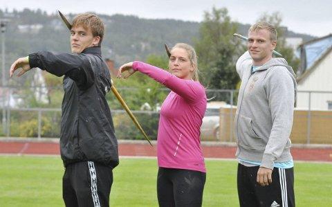 Skal kaste spyd: Alexander Skorpen fv), Emilie Ingerø og Christer Stenersrød skal representere Halden IL i spydkonkurransen under friidretts-NM i Haugesund.begge foto: Tom Minge Nilsen