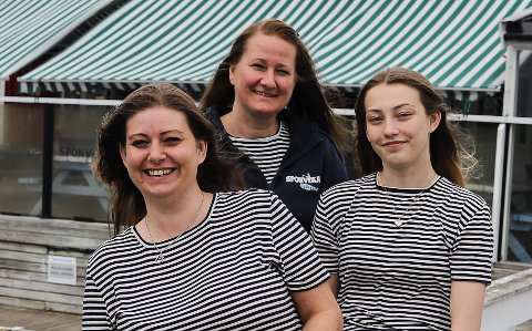 KJEMPEMORO: Maria Stang Nordli kan fortelle om en morsom og spennende start for Sponvika Vertshus. Fra venstre:  Maria Stang Nordli, Marianne Henriksen og Emma Spaniland.