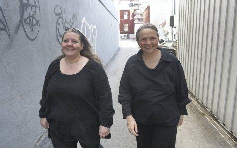 NY FORESTILLING: Torill Nybrott og Kirsti Hougen står bak «Motstandskvinnen Jakob» som vises siste helg denne måneden. Forestillingen omhandler Milorg-leder Eva Kløvstad.