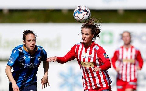 MIDTSTOPPER: Nathalie Utvik ser ut til å bli midtstopper i årets Avaldsnes-lag. Hun har klart seg bra i ny posisjon i de forrige treningskampene.
