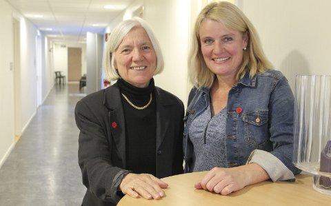 VOLDSSTUDIE: Kjersti Kvalvik (t.h.), styreleder ved Kvinneuniversitetet i Norden og Arna Meisfjord, en av initativtakerne til studiet «Vold mot kvinner- Retten til et liv uten vold», kjemper videre for studiets eksistens.  Foto: Marit Almendingen