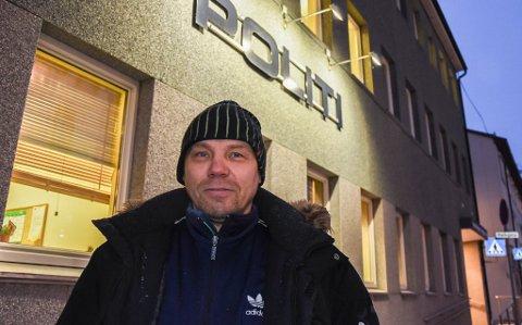 VARSLET ANMELDELSE: I 2018 skreiv iFinnmark om reineier Aslak Aslak Aslaksen Sara, da han var innom politiet i Hammerfest.