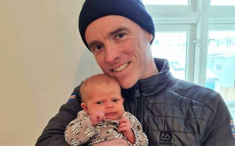 BABYLYKKE: Snorri Einarsson avbryter VM og får snart gjensyn med sin fem uker gamle datter på Island.