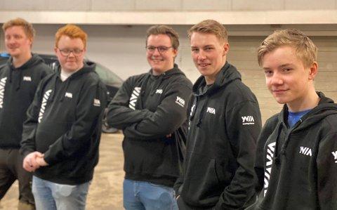 Fra høyre Iver (15), Jørgen (19), Thomas (20), Marius (23) og Stian (28)