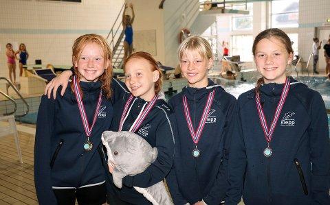 BLIDE JENTER: Dette er KSSKs C-stupere: Mia Ytreland Tidbury (f.v.), Ingvild Rindal Johansen, Anna Holstad og Evenia Lunde.