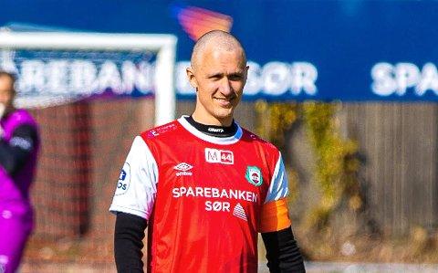KAPTEIN: Henning Romslo er trenernes forlengede arm på banen.