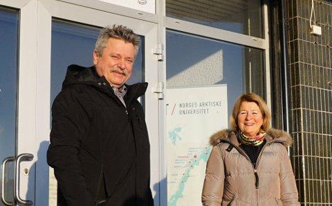 BARENTSHUSET: Rektor ved UiT Anne HusebekkFungerende ordfører Pål Gabrielsen vil ha flere studenter til Kirkenes.